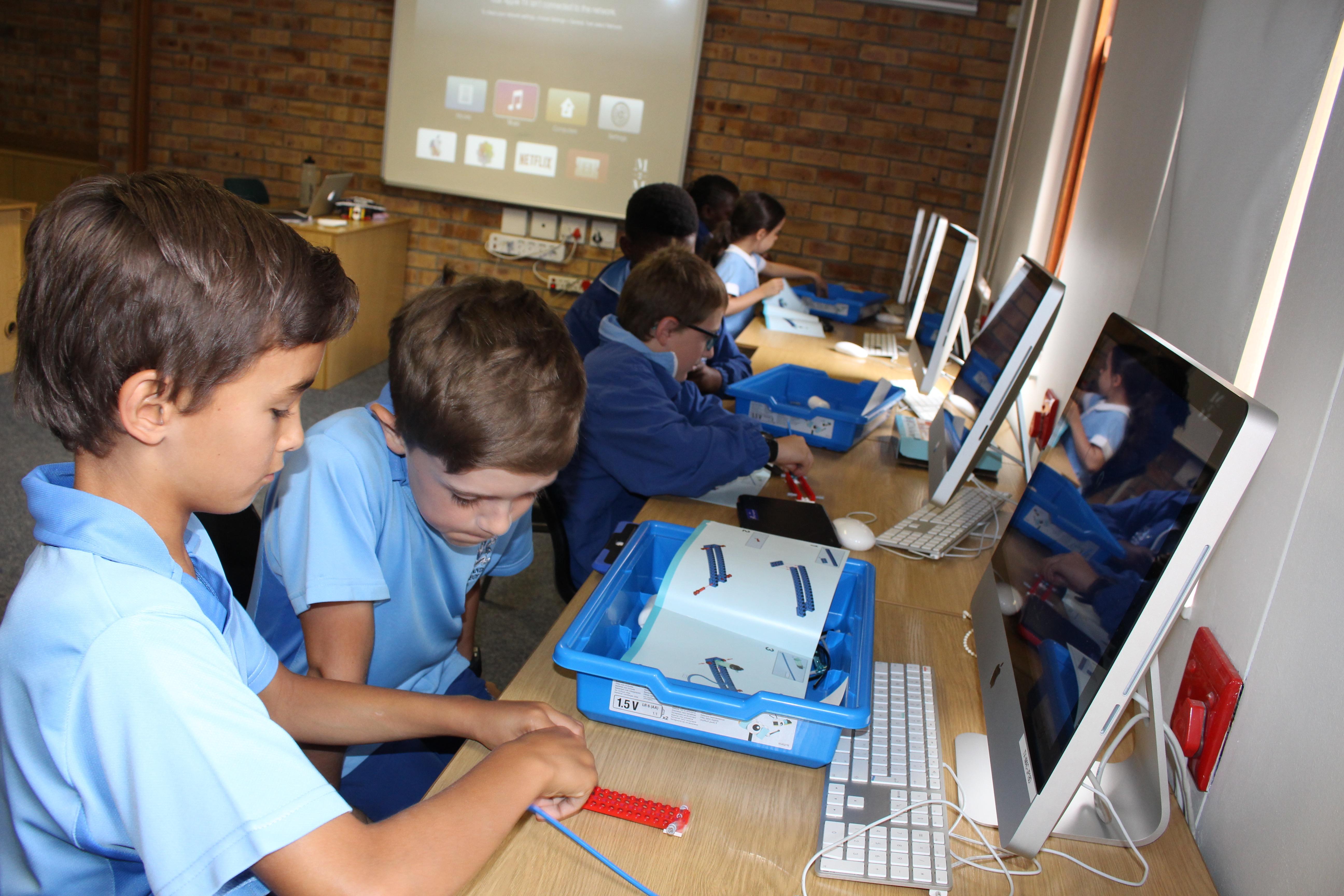 Parklands College Junior Preparatory Robotics 5