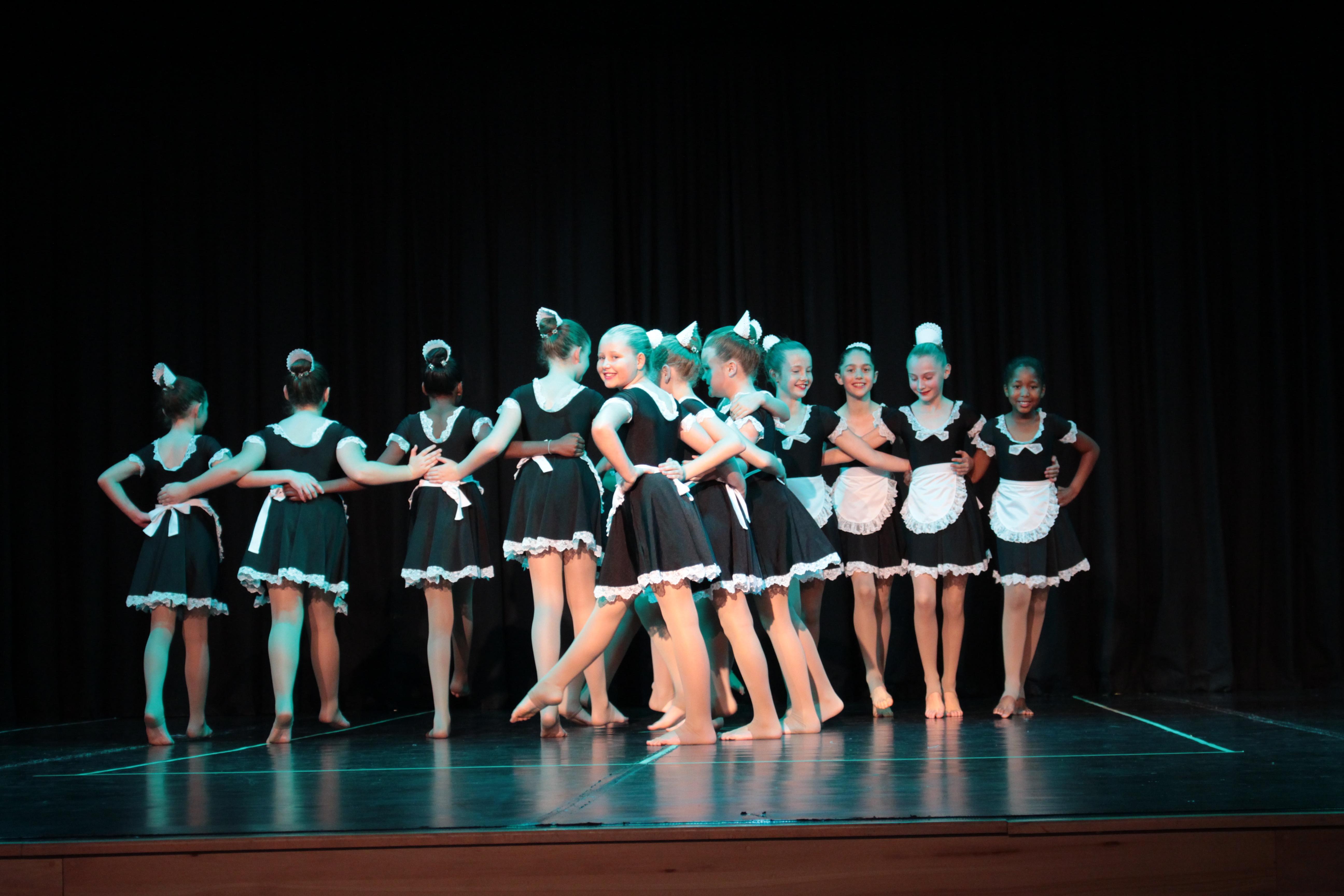 Parklands College Senior Preparatory Modern Dancing 2
